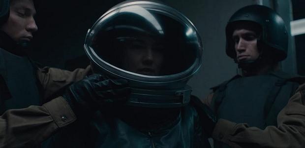 Un monstre venu de l'espace rôde dans le trailer de SputnikUn monstre venu de l'espace rôde dans le trailer de Sputnik